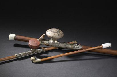 Trois pipes à opium en bambou  Chine, début...