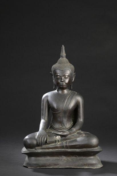 Statue de Bouddha en bronze  Thaïlande, XXe...