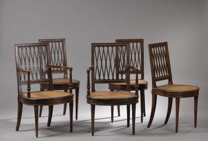 Paire de fauteuils et suite de trois chaises...