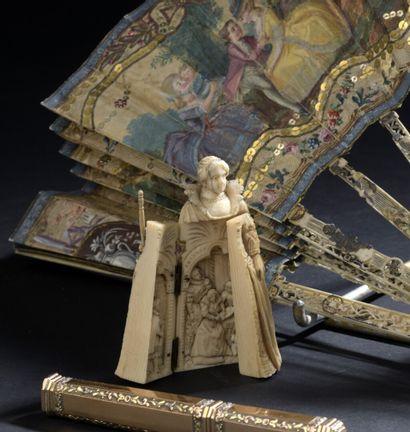 Dame de cour tenant un sceptre, ivoire, fin...