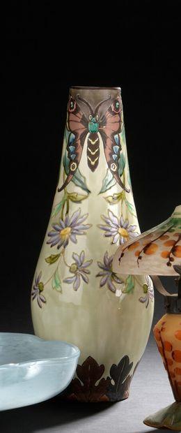 LONGCHAMP, terre de fer Vase en faïence...
