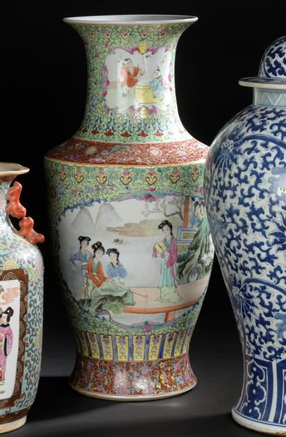 CHINE XXe siècle  Important vase balustre...