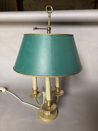 Lampe bouillotte en métal, de style Louis...