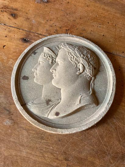 Jean-Bertrand ANDRIEU (1761-1822)  Portraits en buste des profils gauches du couple...