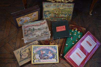 Fort lot de jeux anciens, XIX et XXe siècles  Contanant La Bataille, le Wondergraph,...
