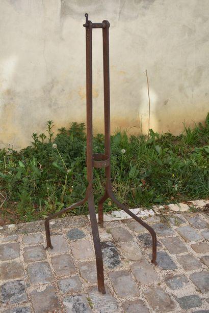 Dessus de puit en fer forgé, XIXe siècle...
