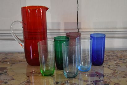 Service à orangeade en verre, XXe siècle  Comprenant une carafe et six verres de...