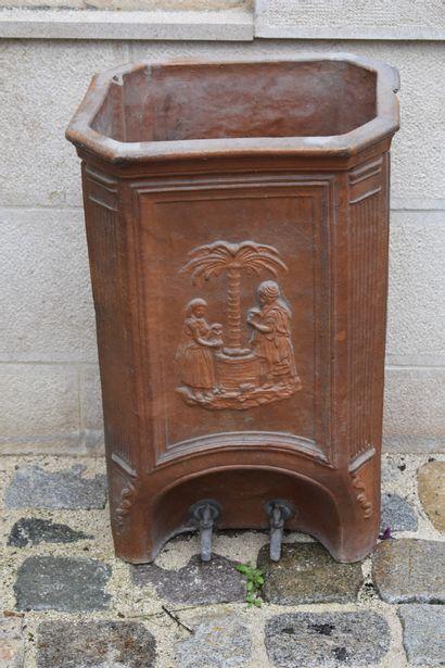 Fontaine à eau en terre cuite, XIXe siècle...
