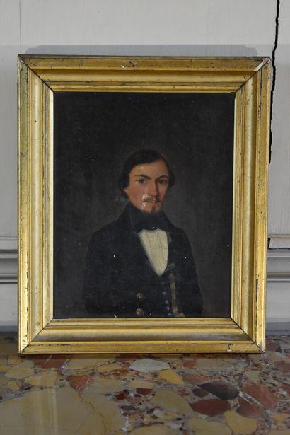 Ecole française du XIXe siècle  Portrait d'un jeune homme  Huile sur toile  27 x...