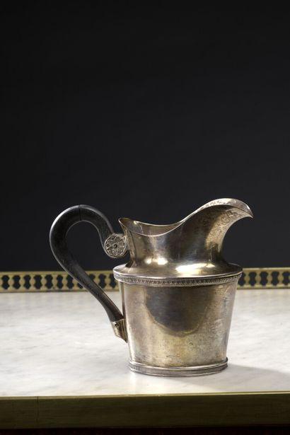Pot à lait en argent, du début du XIXe siècle...