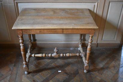 Table à écrire en bois naturel de style Louis...