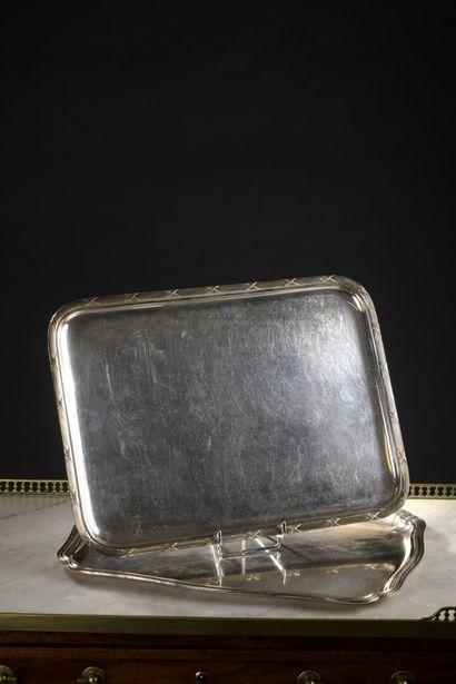 Deux plateaux en métal, fin XIXe siècle  A...