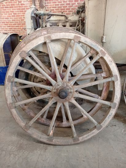 Lot de 2 roues d'avant-train, en bois.