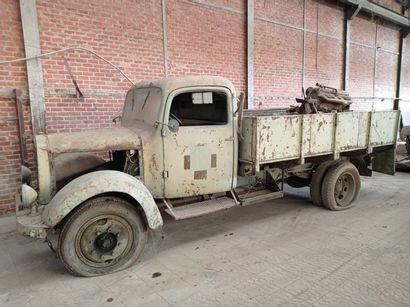 Camion benne Mercedes, type LGF 3000, de...
