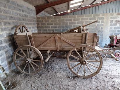 Chariot hippomobile modèle HF3 ou HF6, à...