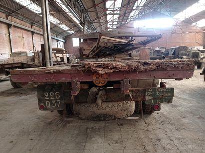 Camion plateau Mercedes, modèle L 4500S, a été livré à une unité de pompier de l'Armée,...