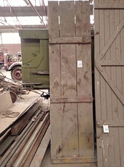Ridelle, en bois. 250 x 67 cm env