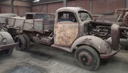 Camion plateau Borgward, modèle B 3000, 3 tonnes utiles, 4 x 2, moteur 6 cylindres...