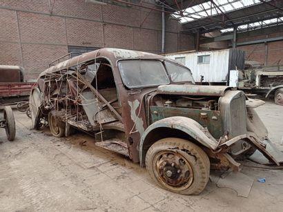 Autocar Daimler-Benz Mercedes, modèle Lo...