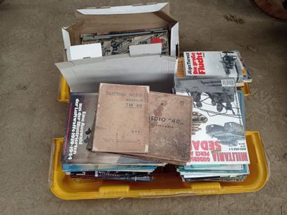 Lot de livres, revues, manuels et divers.