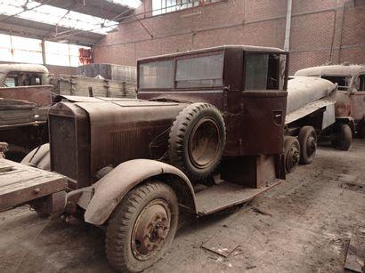 Camion citerne Mercedes, modèle Militaire...