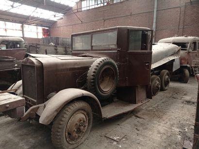 Camion citerne Mercedes, modèle Militaire G3, 6 x 4, moteur 6 cylindres diesel....