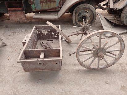 Chariot hippomobile, modèle If 9, à essieu...