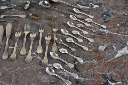 Service à poisson en argent poinçon Minerve  Comprenant six fourchettes à poisson...