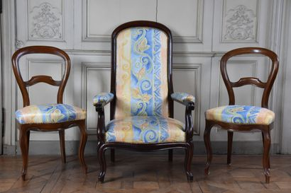 Fauteuil Voltaire en bois naturel et deux...