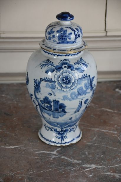 Potiche couverte en faïence de Delft du XVIIIe...