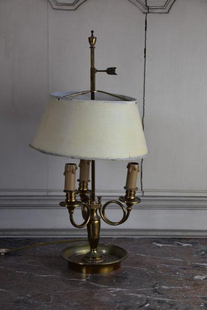 Lampe bouillotte en laiton de style Empire...