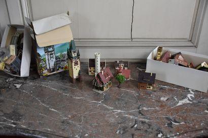 Fort lot de maquettes de maisons de villes...