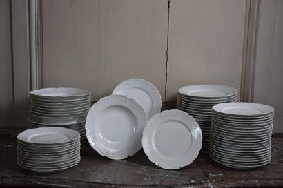 Important service en porcelaine de Limoges...