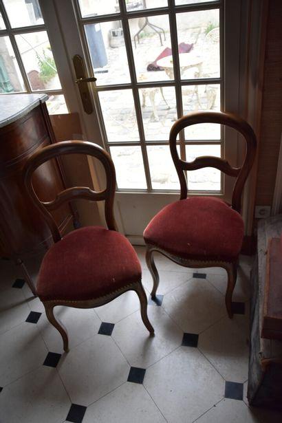 Paire de chaises Napoléon III  H. 90 L. 43 P. 42 cm