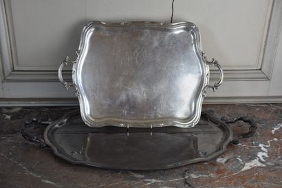 Two silver plated trays with movement forms  L. 64 and L. 74,5 cm