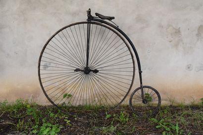 Grand Bi vers 1890.  Dia roue :130cm