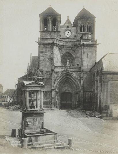 SOUVIGNY  Façade de l'ancienne abbaye  Photographie...