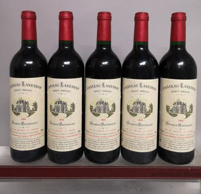 5 bouteilles Château LANESSAN - Haut Médoc...