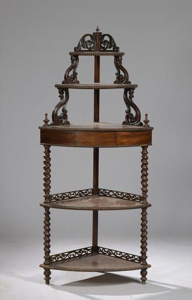 ENCOIGNURE en acajou, travail anglais du XIXe siècle