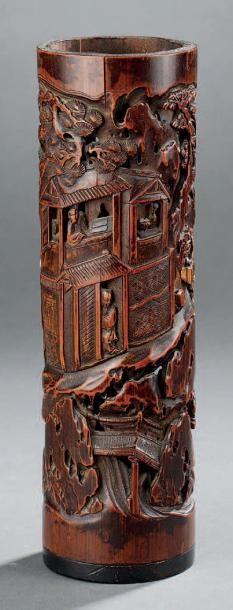 Porte-encens en bambou à décor sculpté ajouré...