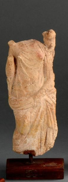 Statuette représentant une divinité féminine...