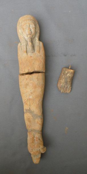 Ptah-sokar-osiris momiforme. Bois. (cassure...