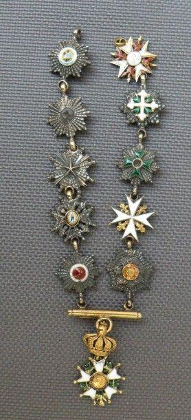 Collier de 11 miniatures: - ordre de l'aigle...