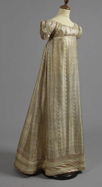 Robe de jeune-fille, vers 1815-1820, en gaze...