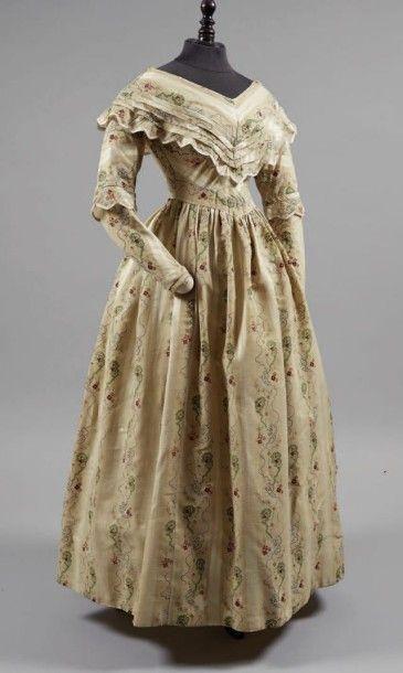 Robe d'après-midi, vers 1840, pékin laine...