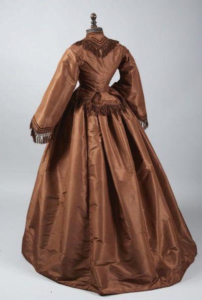 Robe d'après-midi, vers 1870, en taffetas...