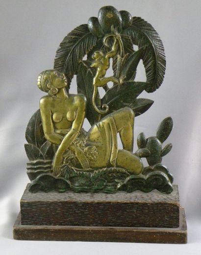 Bas-relief en bronze partiellement patiné...