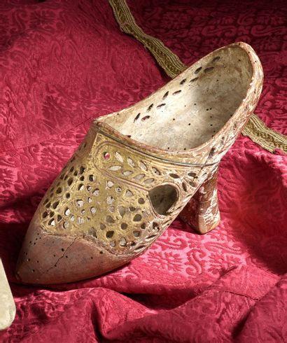 Socque ou chaussure d'apparat, France, seconde...