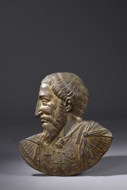 Important bas-relief en bronze doré représentant...