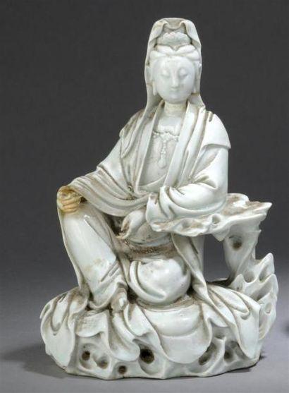 GUANYIN en porcelaine blanc de Chine Chine,...